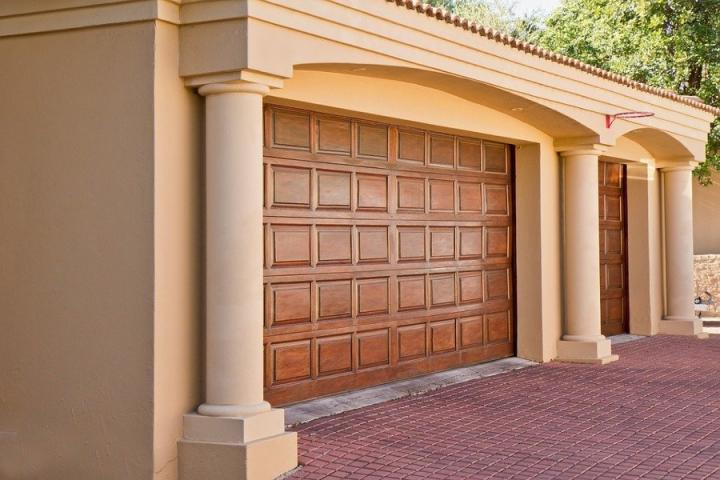 Decoraci n dise o y bricolaje en - Tipos de puertas de garaje ...