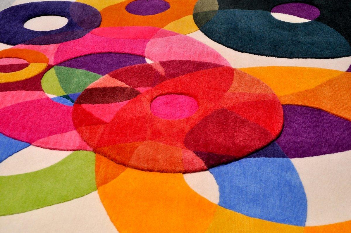 alfombras coloridas de formas innovadoras de sonya winner