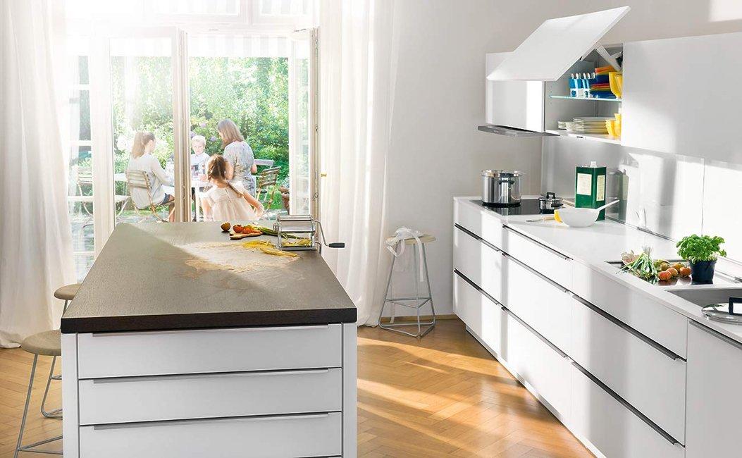 Cocinas living de la firma warendorf for Cocina familiar