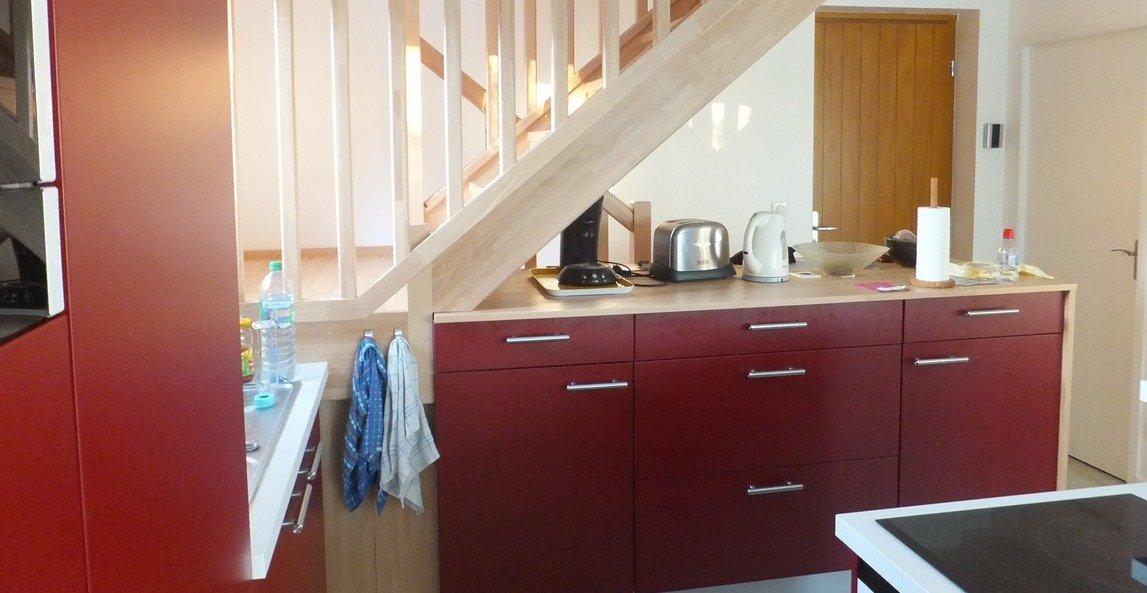 Ideas para aprovechar el espacio bajo la escalera - Decoracion bajo escalera ...