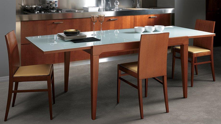 Mesas de cocina scavolini for Mesas para cocinas estrechas