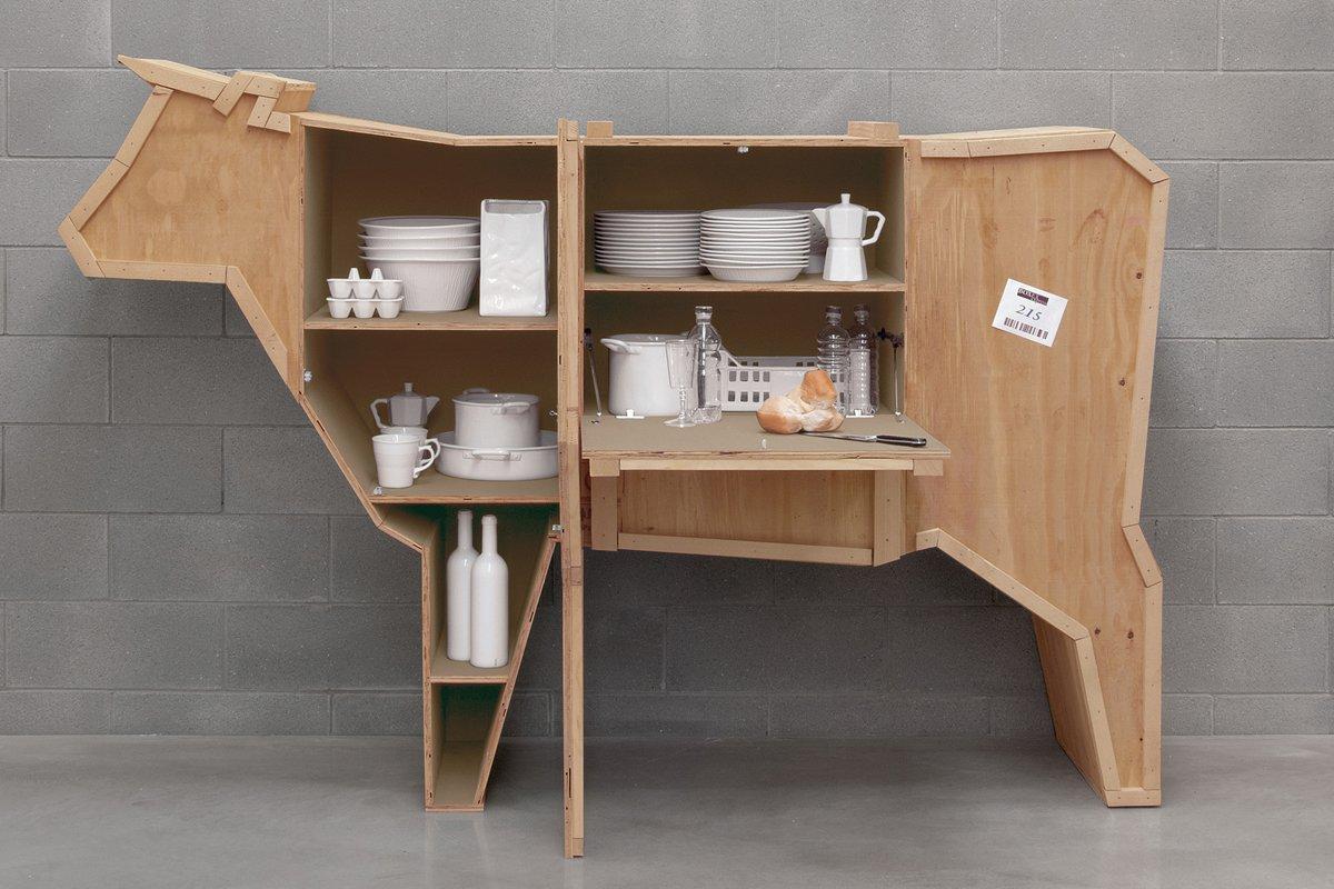 Muebles de madera con forma de animales for Muebles para cds madera